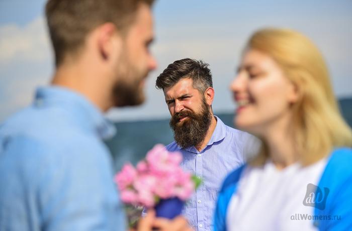 Как элегантно разорвать любовный треугольник: 4 способа