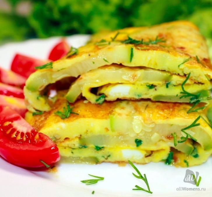 Небольшой кабачок и три яйца или как быстро приготовить отличный завтрак